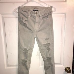 Destroyed - Gray • Hi-Rise Jeggings • Size 6 •